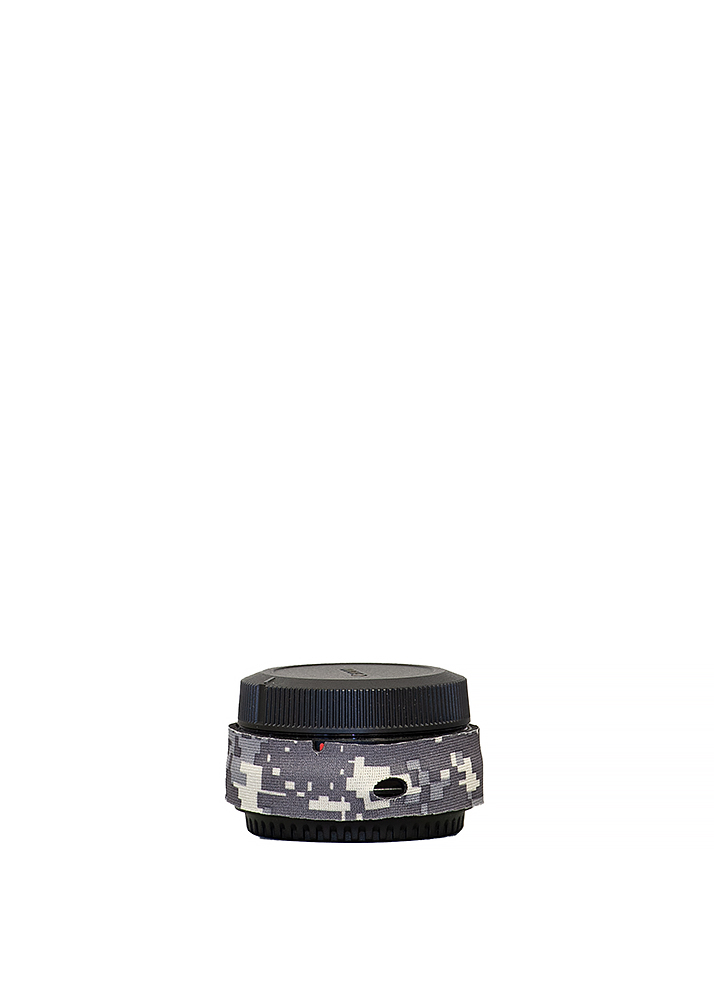 LensCoat® Canon EOS R mount adapter - Digital Camo